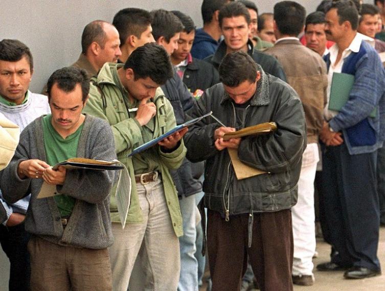 Buscar trabajo puede costar hasta 70.000 pesos diarios