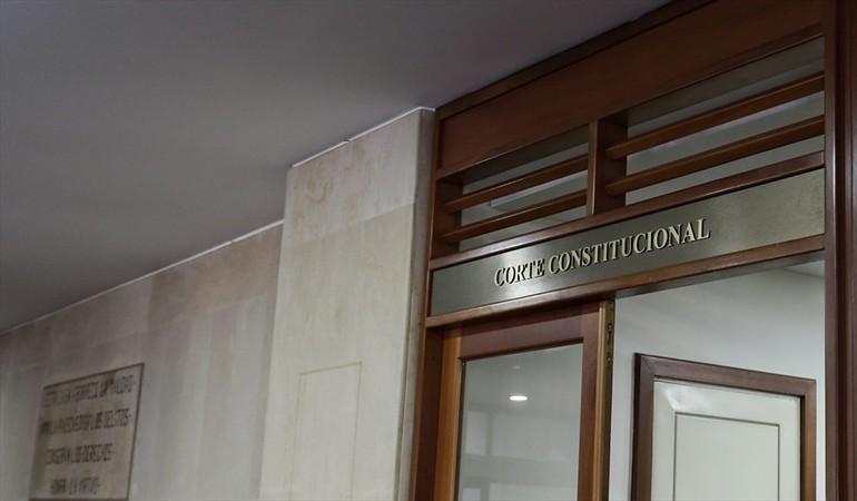 Corte Constitucional ANUNCIA: EL APELLIDO DE LA MAMÁ YA PUEDE IR DE PRIMERO