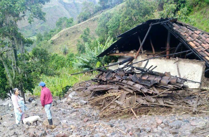 Alerta por avalancha que dejó casas destruidas y una persona desaparecida en Funes, Nariño