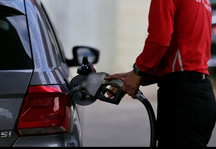 Precio de la gasolina se mantiene estable en septiembre