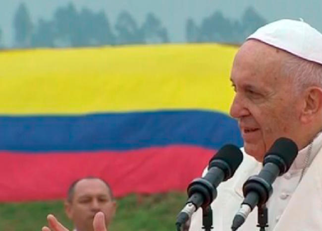 El papa ora por militares y policías heridos y caídos en combate