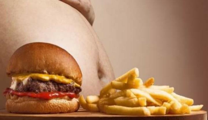 Proyecto que regula la comida chatarra quedó a un debate de ser ley